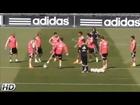 El vacile de Cristiano Ronaldo a Odegaard en el rondo | Entrenamiento Real Madrid 2015